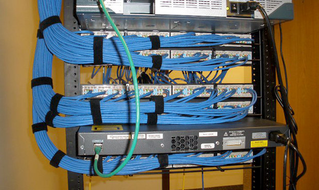 ss-organized-cable-room