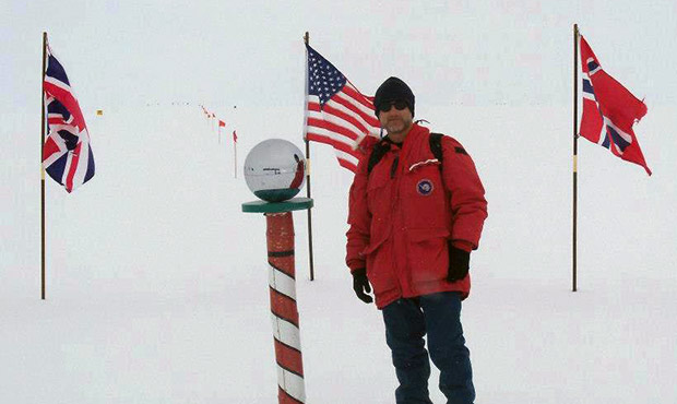 ss-posing-at-south-pole